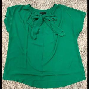 Beautiful Kelly green Lane Bryant blouse Size 18
